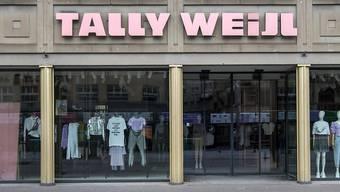 Die Schweizer Modekette Tally Weijl hat von Investoren und Banken das für die Zukunft dringend benötigte Geld erhalten. Mit dem Umbau der Kette werden jedoch einige Filialen geschlossen.(Archivbild)