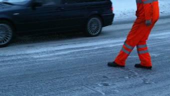 Teilweise lag blankes Eis auf Aargauer Strassen.