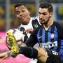 Wenn Juve und Inter (rechts) aufeinander treffen, geht es voll zur Sache.