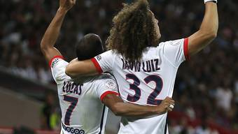 David Luiz gratuliert Torschütze Lucas zu Paris' Siegtor in Lille