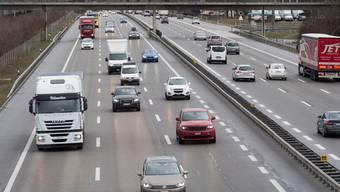 Laut Regierungsrat würde eine sechsspurige A1 zwischen Aarau Ost und dem Birrfeld «akzeptable Verkehrsverhöltnisse» schaffen.