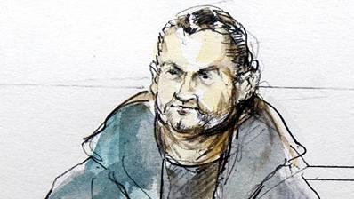 Osamah M. füllt Dutzende Bundesordner. Doch viel ist über ihn nicht bekannt, nicht einmal sein genaues Alter. Auch wie er sich die Kriegsverletzung zugezogen hatte, wegen der er im Rollstuhl sitzt, wissen die Behörden nicht. Er selber nimmt es mit Humor. Auf Facebook bezeichnete er sich als «der Behinderte». Das Bundesstrafgericht hatte ihn 2016 wegen Unterstützung einer kriminellen Organisation verurteilt. Er war IS-Mitglied und Chef der Schaffhauser IS-Zelle. Von der Schweiz aus tauschte er Informationen mit einem Syrer aus und koordinierte so den islamistischen Kampf. Er kam 2017 frei, weil das Bundesgericht das Strafmass als zu hoch eingestuft hatte. Er kann nicht ausgeschafft werden, weil ihm im Irak die Todesstrafe droht.