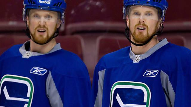 Henrik (links) und Daniel Sedin sind heiss auf dem NHL-Titel.