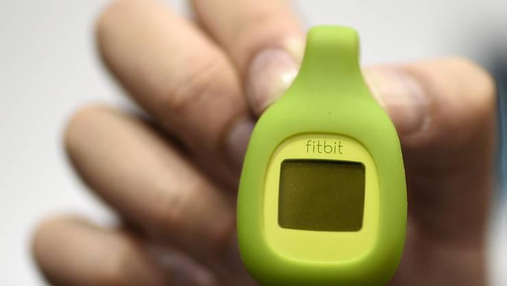 Der Fitnessband-Pionier Fitbit wird vom Internet-Riesen Google übernommen.(Archivbild)