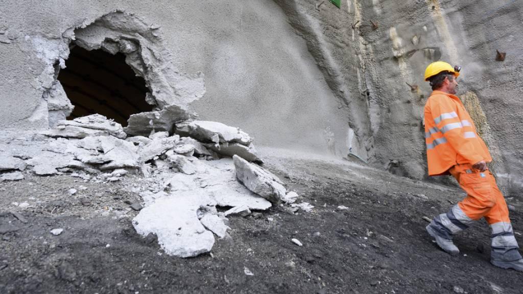 Walliser Tunnel Riedberg durchschlagen