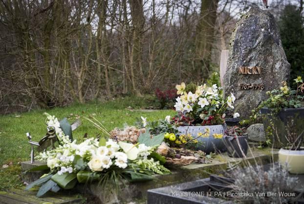 Im August 1998 war der elfjährige Nicky Verstappen aus einem Sommercamp im Naturschutzgebiet Brunssummerheide an der deutschen Grenze entführt und ermordet worden.