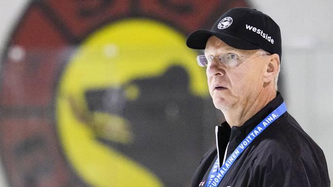 Berns Headcoach Kari Jalonen beim zweiten Eistraining der neuen Saison