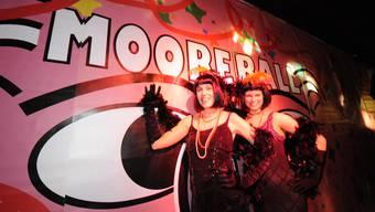 Grenchen: Buntes Fasnachtstreiben am Mooreball