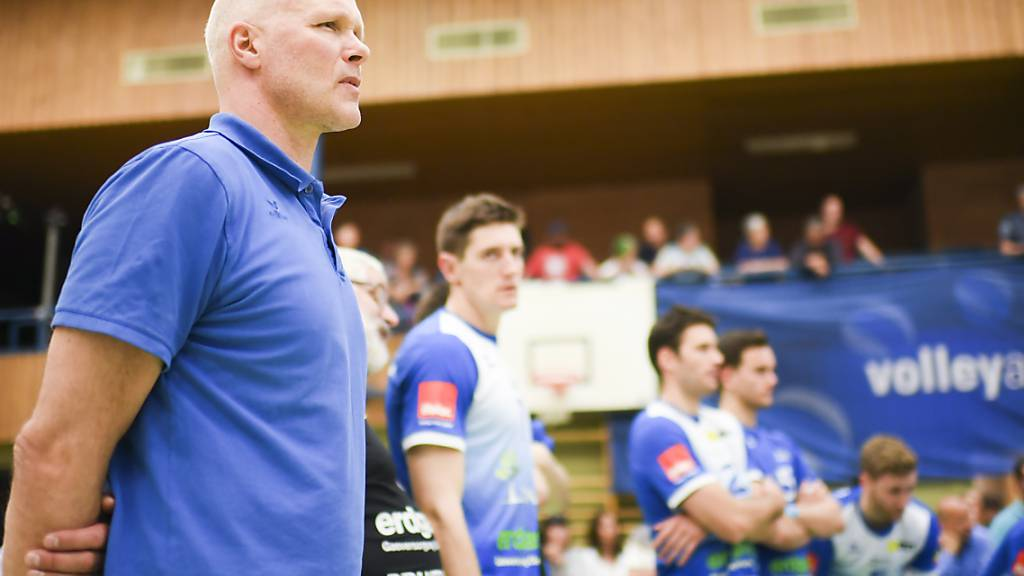 Amriswils Trainer Marko Klok (links) nach einem Heimspiel (Archivbild)