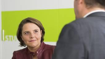 Ada Marra, Nationalrätin SP/VD und «Mutter» der Einbürgerungsvorlage, freut sich am Westschweizer Fernsehen über die Annahme ihrer Vorlage.