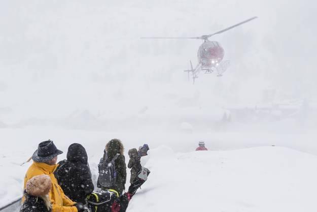 Zermatt und Andermatt sind von der Aussenwelt abgeschnitten und nur noch über Luft erreichbar.