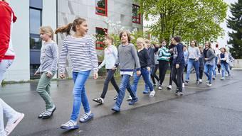Überraschungs-Evakuationsübung an der Schule Urdorf
