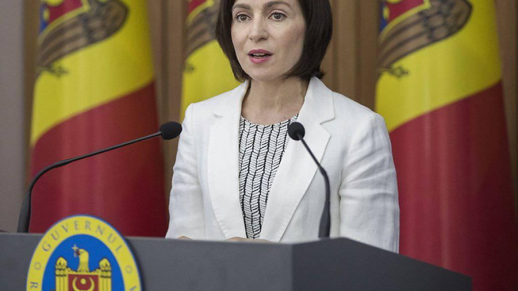 """Die moldauische Ministerspräsidentin Maia Sandu hat ihre Arbeit in dem Land aufgenommen. """"Wir haben den Oligarschen besiegt"""", sagte sie. EPA/DUMITRU DORU"""