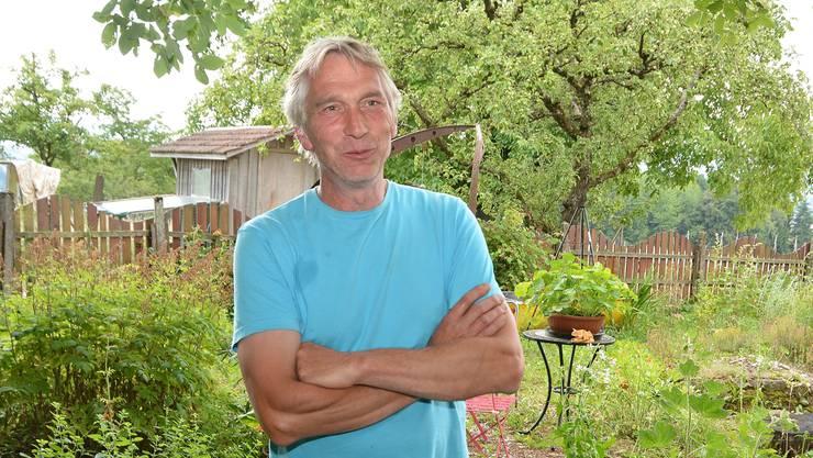 Bei der Aussaat und der Ernte zieht er den Mondkalender zur Hilfe – «Geisshof»-Landwirt Michael Köhnken.