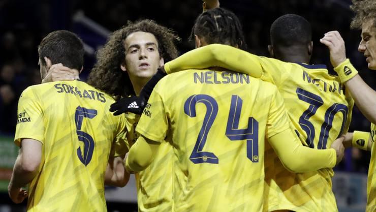 Die Spieler von Arsenal freuen sich im FA-Cup über den Einzug in die Viertelfinals