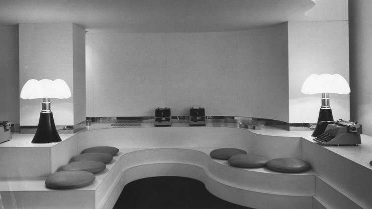 Ein von Gae Aulenti entworfener Showroom für Olivetti, Paris 1966/67.