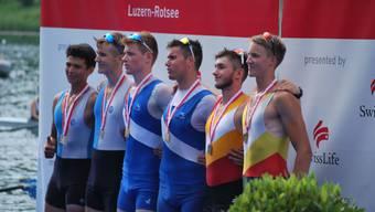 Ausborn und Poncioni (mitte) holten für den Ruderclub Blauweiss einen Schweizer-Meistertitel.