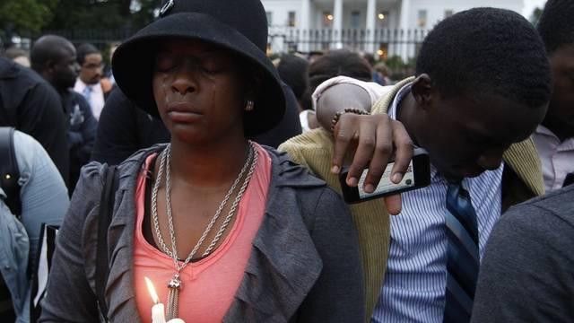 Gegner der Todesstrafe trauern vor dem Weissen Haus in Washington
