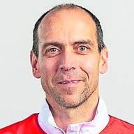 German Clénin - SportarztDer 52-jährige Sportmediziner betreibt seit 2007 eine eigene Praxis im Haus des Sports. Zuvor war der Bieler vier Jahre leitender Arzt im Olympic Medical Center in Magglingen. Clénin ist Präsident der Schweizerischen Gesellschaft für Sportmedizin. Er hat Mandate als Verbandsarzt bei Swiss Ski (Freestyle), sowie bei den nationalen Verbänden Leichtathletik und OL. Clénin ist Autor eines Fachbuches («Athletes Health & Top Performance»).