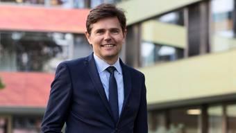 Der 59-jährige Conrad E. Müller übernimmt nach der Leitung des Universitäts-Kinderspital beider Basel (UKBB) mit der Klinik Hirslanden Zürich das grösste Privatspital der Schweiz.