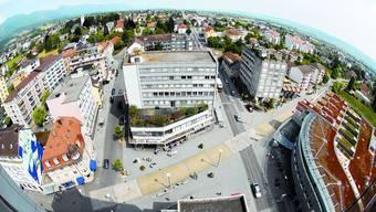 Rundblick: Der Zyplatz vom Hochhaus Centro aus gesehen. (Oliver Menge)