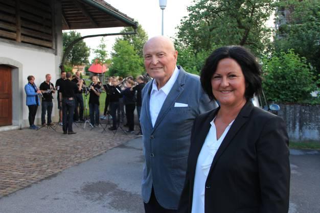 Marianne Meister mit Bernhard Jöhr, Vizegemeindepräsident.