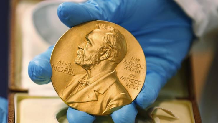 Der Nobelpreis für Wirtschaftswissenschaften geht in diesem Jahr an die drei Ökonomen Abhijit Banerjee, Esther Duflo und Michael Kremer. (Archivbild)