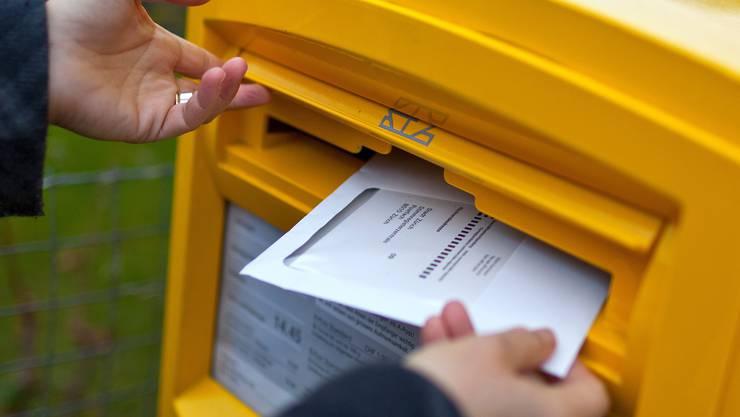 Briefliche Stimmabgabe per Briefpost: Im Kanton Solothurn ist das nicht gratis. (Themenbild)