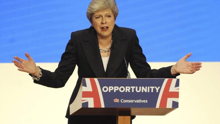Die britische Premierministerin Theresa May hat am Mittwoch in ihrer Abschlussrede am Parteitag der Konservativen in Birmingham eine rosige Zukunft für Grossbritannien nach dem Brexit prophezeit.