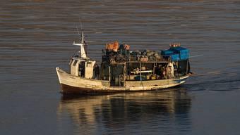 Zwei Wasserkanister reichten einem philippinischen Fischer 56 Tage zum Überleben auf hoher See. (Symbolbild)
