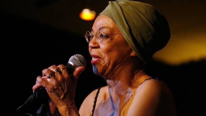 Othella Dallas bei einem Konzert im Jahr 2008.