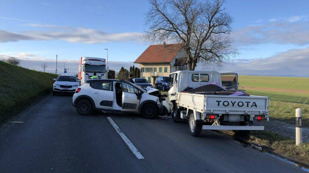 Drei Verletzte bei Verkehrsunfall in Prez-vers-Noréaz
