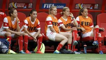 Bisher nur Ersatz: Vanessa Bürki (2.v.r.) hofft gegen Kamerun auf ihren ersten WM-Einsatz.