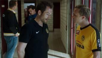 Joris Gratwohl (l.) als Fussballtrainer Roger Maillard mit Max Hubacher (r.) in der Rolle des schwulen Fussballprofis Mario. youtube/freneticfilms