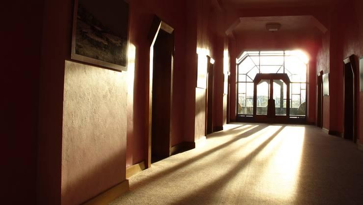 Das Goetheanum in Dornach ist mit seiner typischen anthroposophischen Architektur das Weltzentrum der Steiner-Bewegung.