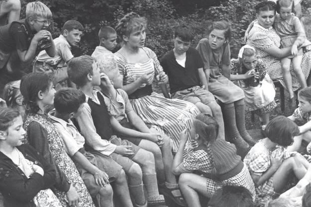 Trudi Gerster als «Märchenfee» an der Landi 1939 in Zürich.