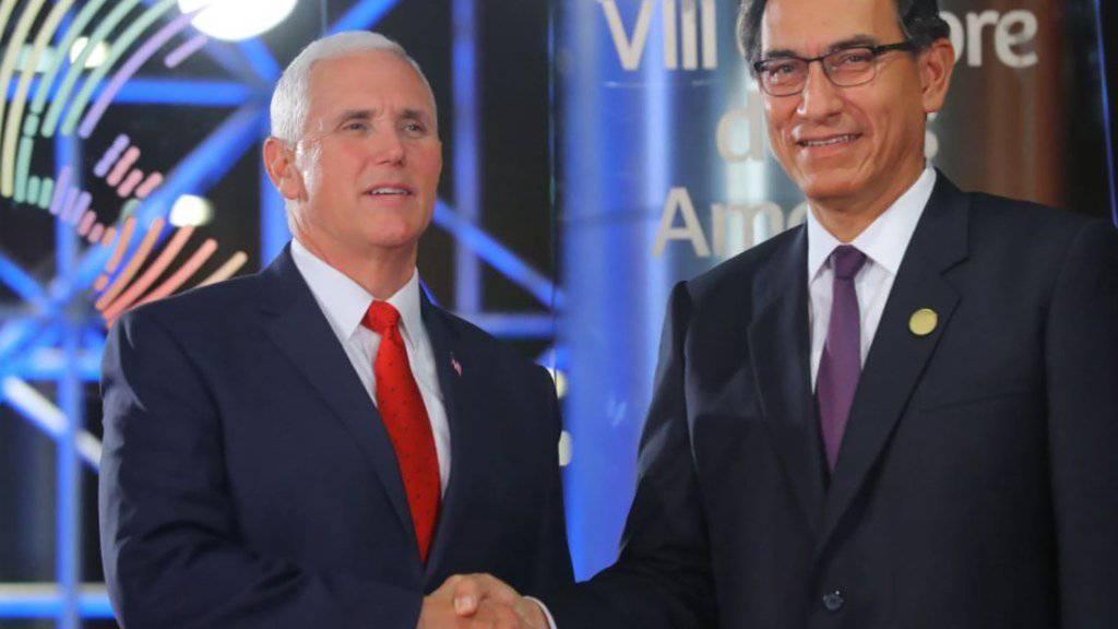 US-Vizepräsident Mike Pence (links) und der Peruanische Präsident Martin Vizcarra führen Gespräche in Lima über die Situation in Venezuela.