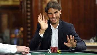 Tennisstar Rafael Nadal versucht sich als Pokerspieler