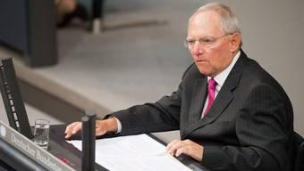 Der deutsche Finanzminister Wolfgang Schäuble spricht im Bundestag