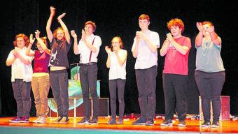 Mit Begeisterung dabei: Die Jugendlichen haben das Stück selbst ausgesucht.