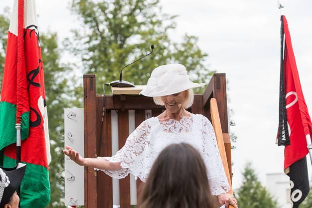 Stadträtin Regina Jäggi nach ihrer Rede amAarauer Maienzug im Telliring, am 7. Juli 2017.