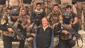 Véronique Robert auf einem Foto aufgenommen im Irak und im Oktober 2016 auf Facebook geladen.