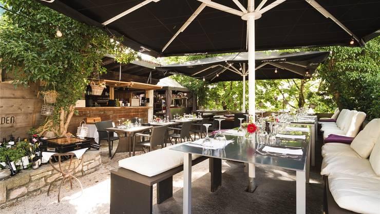In diesem gemütlichen Ambiente bewirtet «Terminus Garden»-Betreiber Kayhan Sabo seine Gäste. Dies allerdings abends länger als erlaubt.