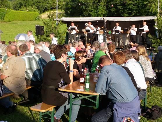"""Die """"Laufenburger Leue"""" sorgten für Stimmung am Lindenfest in Sulz."""