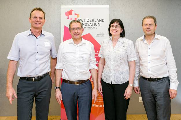 Im Bild von links nach rechts: Benno Rechsteiner, CEO der Park Innovaare AG, Landammann und Volkswirtschaftsdirektor Urs Hofmann, Maria Gumann, Geschäftsleiterin der Pensionskasse Coop, sowie Remo Lütolf, Verwaltungsratspräsident der Park Innovaare AG.