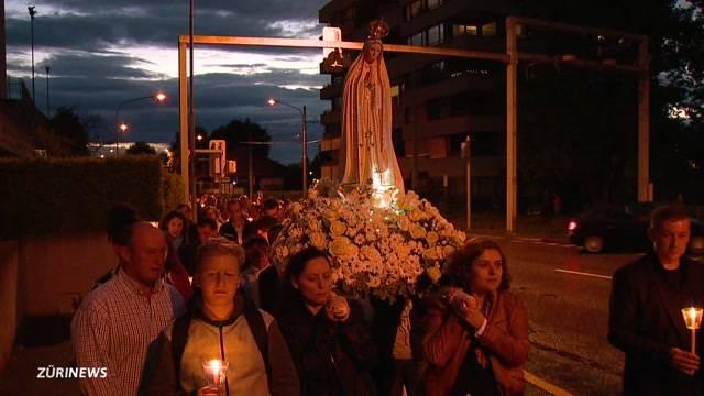 Portugiesen feiern Heiligsprechung