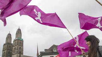 Frauen protestieren in Zürich gegen die anhaltende Lohndiskriminierung. (Bild von 2016)
