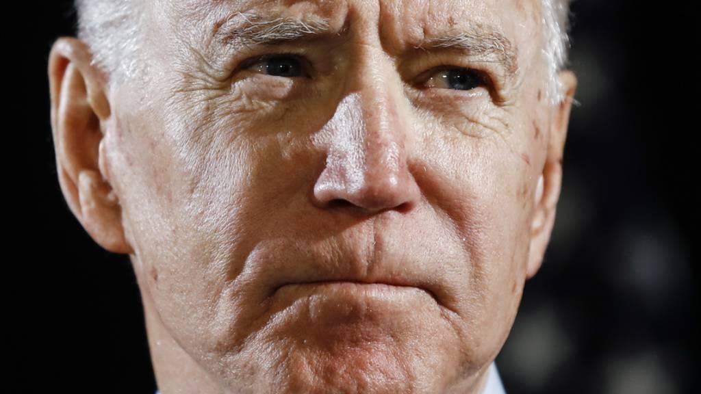 Vor Präsidentenwahl: Umfrage sieht Biden deutlich in Führung