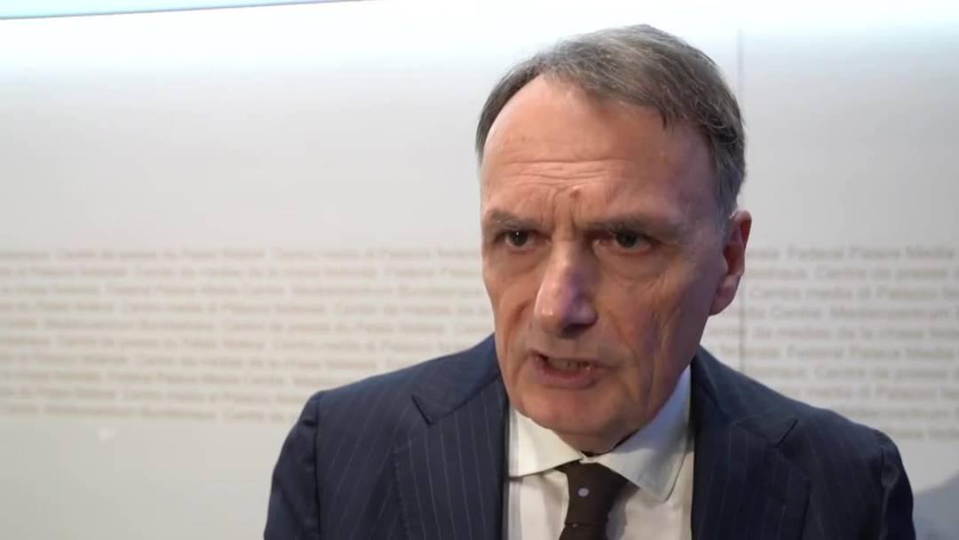 Beschleunigte Asylverfahren: SEM zieht positive Bilanz - Flüchtlingshilfe kritisiert