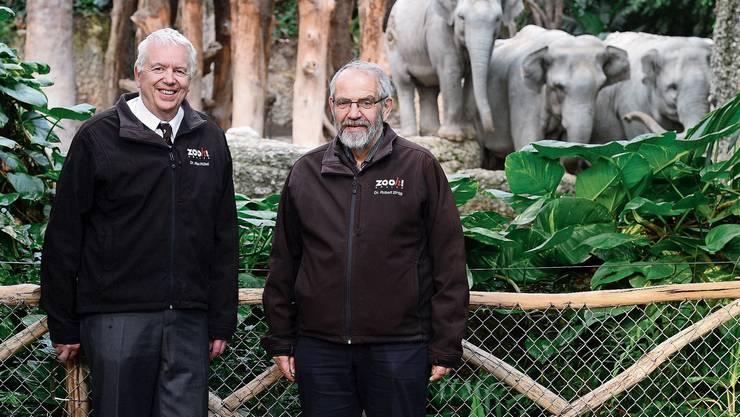 Alex Rübel (links) schlief auf dem Betonboden, als der erste Elefant im Zoo Zürich zur Welt kam. Robert Zingg plante die neue Anlage mit.